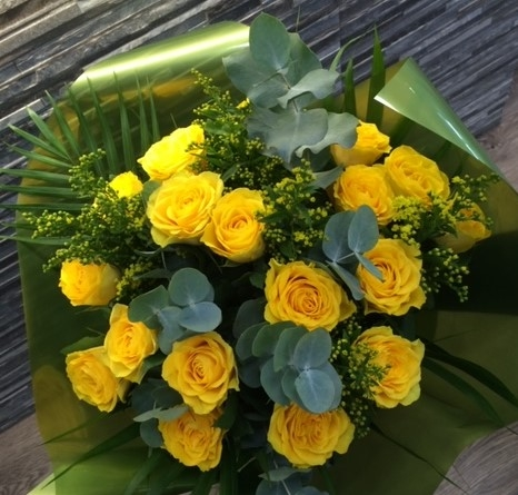 Yellow Rose Bouquet Buy Online Or Call 01642 787989